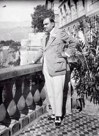 Enrico-Caruso-at-Grand-Hotel-Excelsior-Vittoria