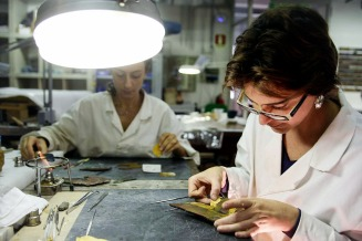 restorers image: Patrizia Riitano (for the painting);