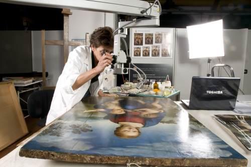 restorers image: Patrizia Riitano (for the painting);
